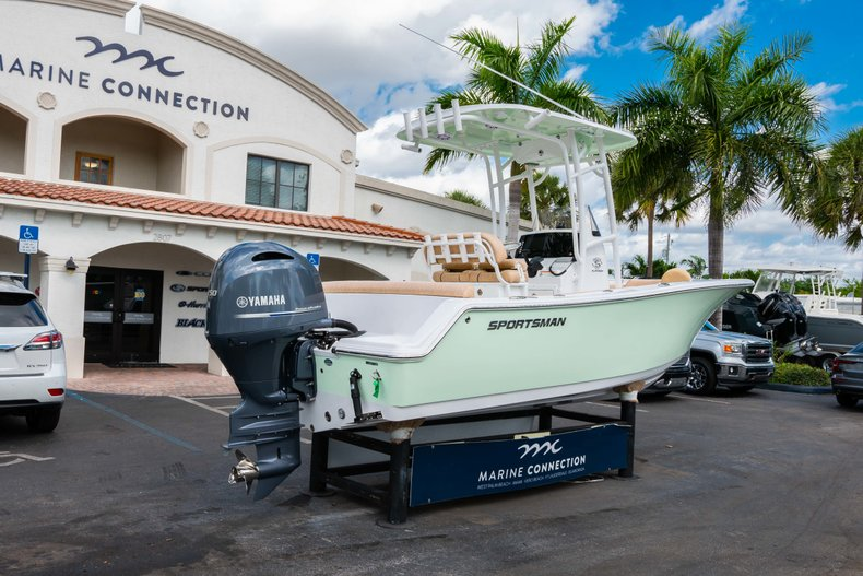 Thumbnail 7 for New 2019 Sportsman Heritage 211 Center Console boat for sale in Miami, FL