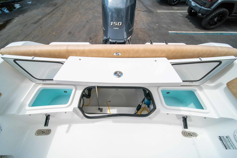 Thumbnail 19 for New 2019 Sportsman Heritage 211 Center Console boat for sale in Miami, FL