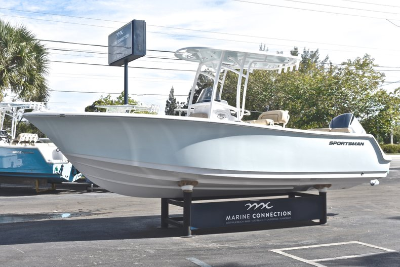 Image 3 for 2019 Sportsman Heritage 231 Center Console in West Palm Beach, FL