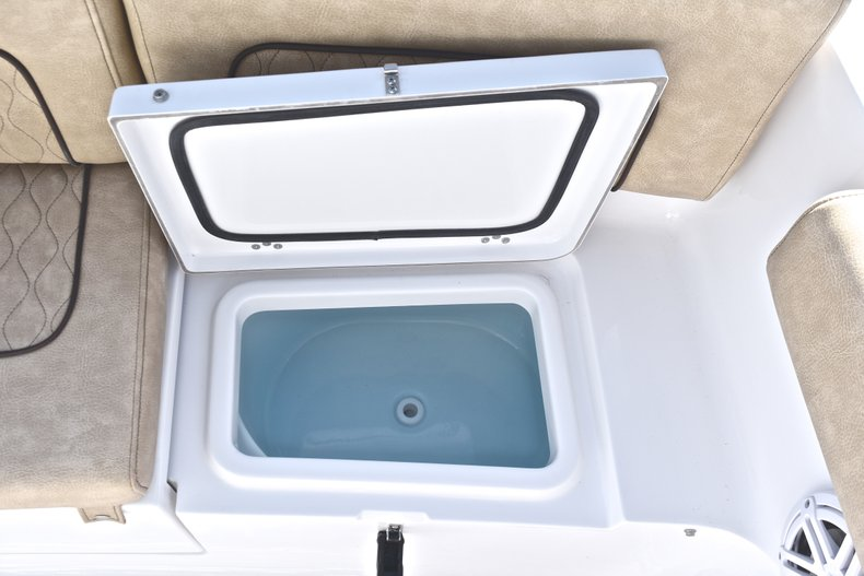 Image 15 for 2019 Sportsman Heritage 231 Center Console in West Palm Beach, FL