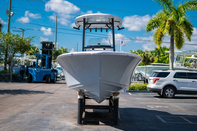 Thumbnail 2 for New 2019 Sportsman Open 212 Center Console boat for sale in West Palm Beach, FL