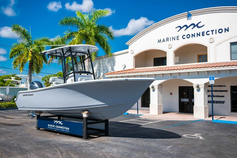 Thumbnail 1 for New 2019 Sportsman Open 212 Center Console boat for sale in West Palm Beach, FL