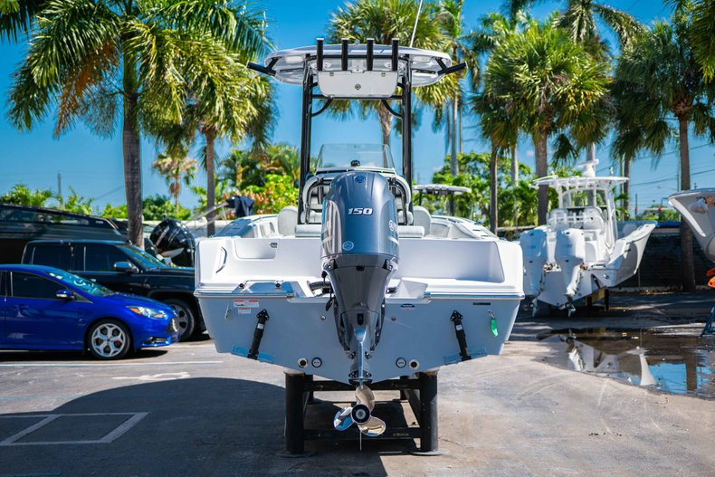 Thumbnail 6 for New 2019 Sportsman Open 212 Center Console boat for sale in West Palm Beach, FL