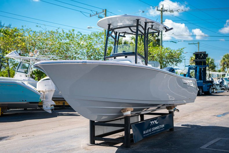 Thumbnail 3 for New 2019 Sportsman Open 212 Center Console boat for sale in West Palm Beach, FL