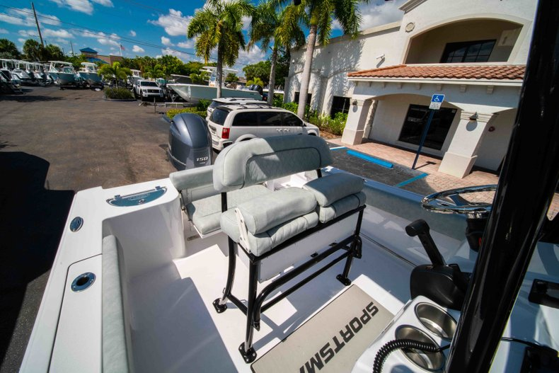 Thumbnail 19 for New 2019 Sportsman Open 212 Center Console boat for sale in West Palm Beach, FL