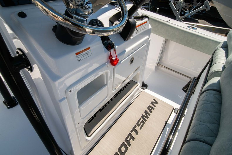 Thumbnail 17 for New 2019 Sportsman Open 212 Center Console boat for sale in West Palm Beach, FL
