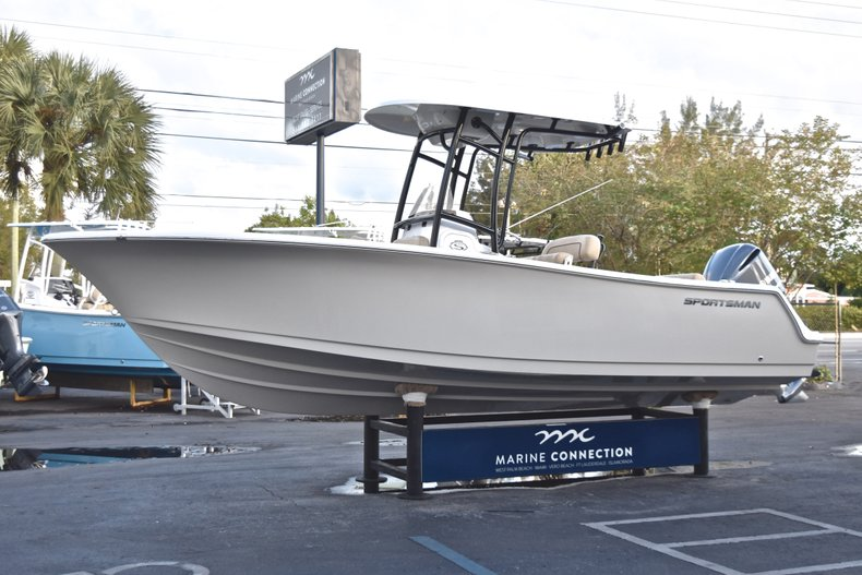 Image 3 for 2019 Sportsman Open 232 Center Console in West Palm Beach, FL