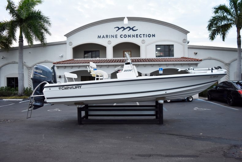 Used 2010 Century 2202 Bay Boat boat for sale in West Palm Beach, FL
