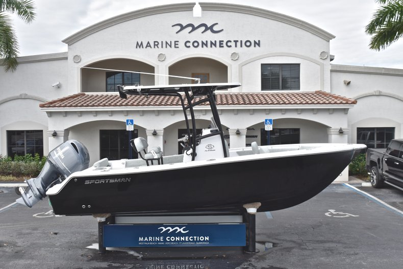 Thumbnail 0 for New 2019 Sportsman Open 212 Center Console boat for sale in West Palm Beach, FL