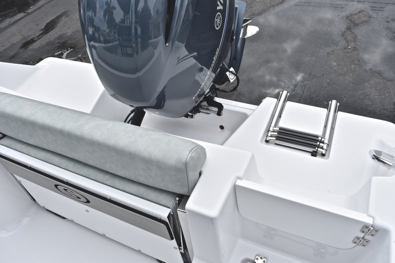Image 12 for 2019 Sportsman Open 212 Center Console in Miami, FL