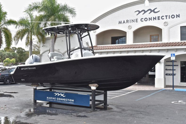 Image 1 for 2019 Sportsman Open 212 Center Console in Miami, FL