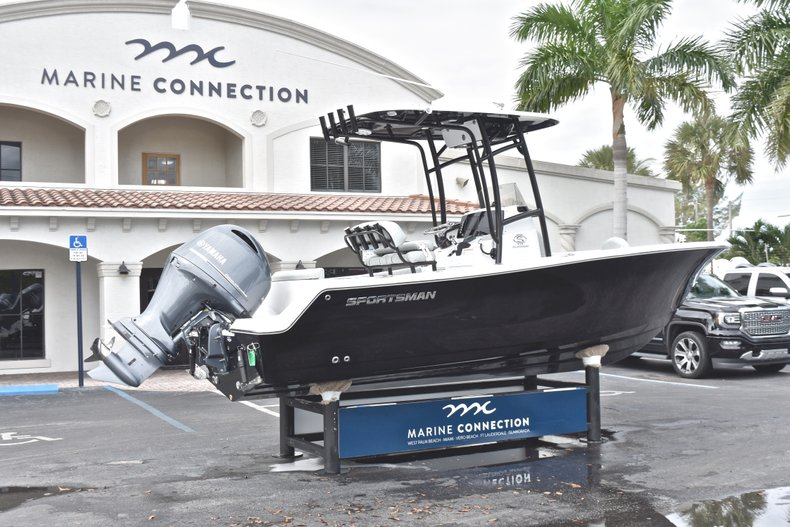 Thumbnail 7 for New 2019 Sportsman Open 212 Center Console boat for sale in West Palm Beach, FL