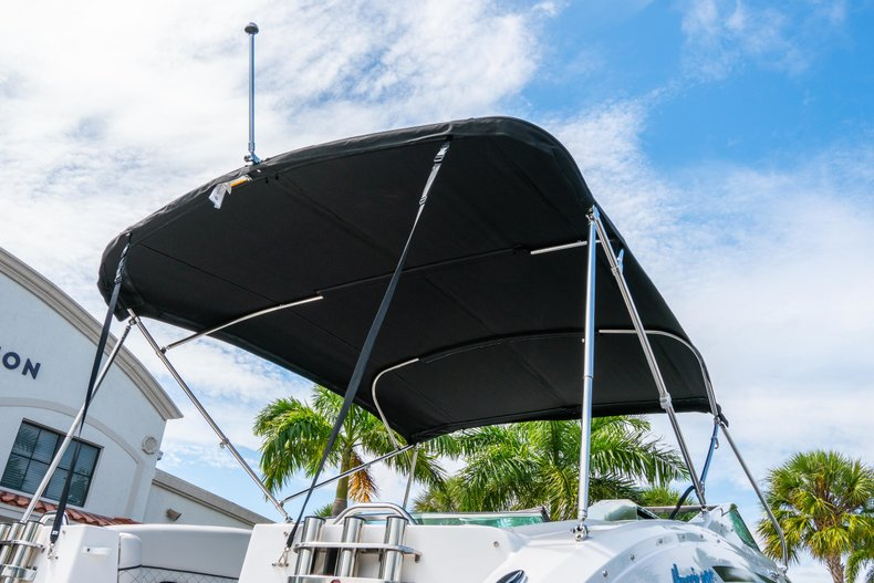 Thumbnail 8 for New 2019 Hurricane SunDeck SD 2690 OB boat for sale in West Palm Beach, FL