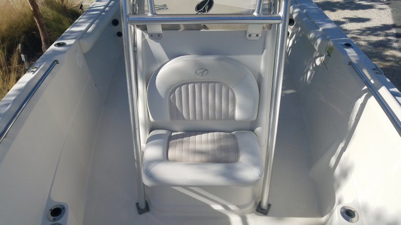Thumbnail 8 for Used 2009 Sailfish 218 Center Console boat for sale in Islamorada, FL