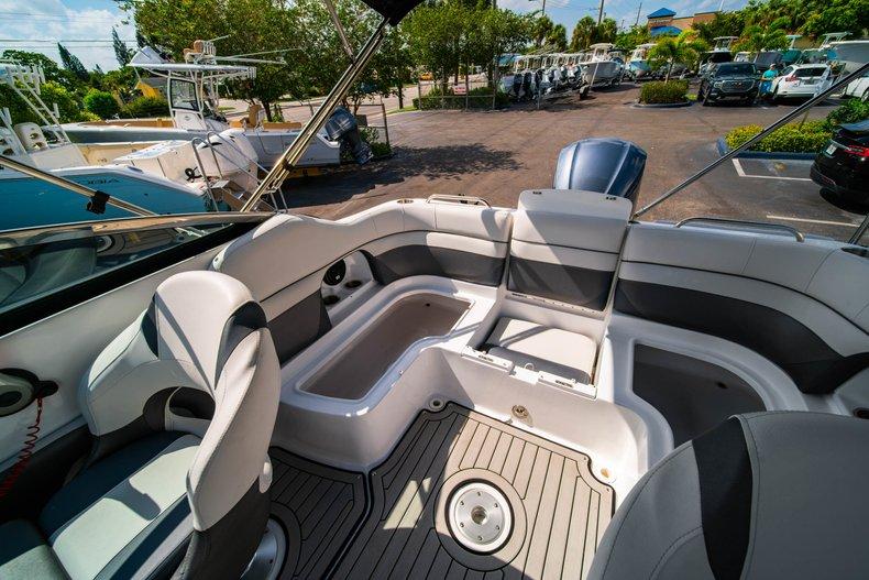 Thumbnail 12 for New 2019 Hurricane SunDeck SD 2486 OB boat for sale in Vero Beach, FL