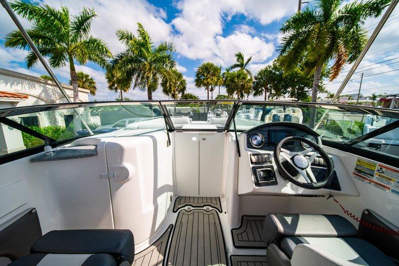 Thumbnail 15 for New 2019 Hurricane SunDeck SD 2486 OB boat for sale in Vero Beach, FL