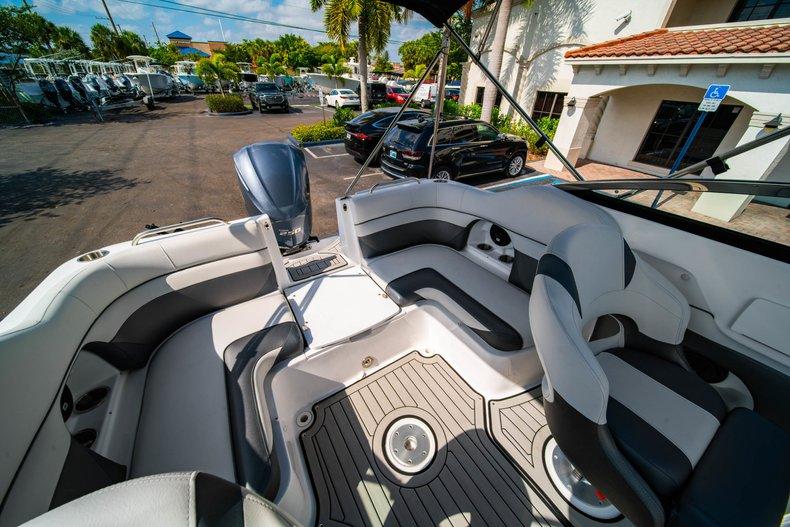 Thumbnail 13 for New 2019 Hurricane SunDeck SD 2486 OB boat for sale in Vero Beach, FL