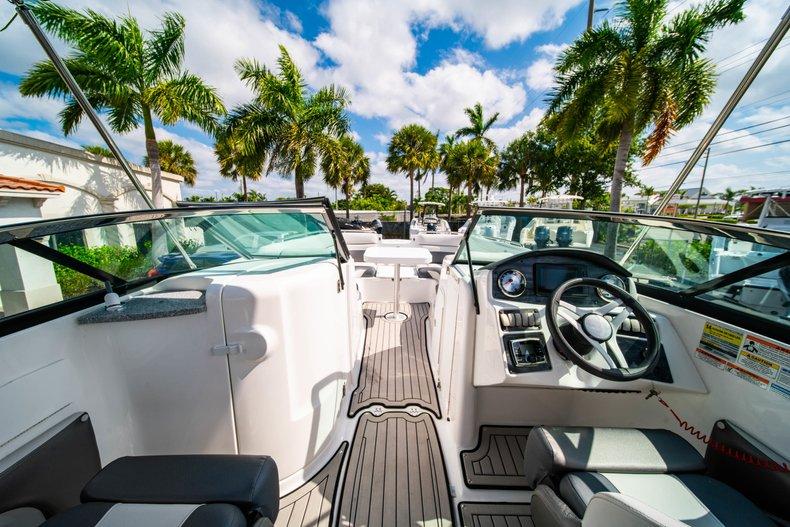 Thumbnail 16 for New 2019 Hurricane SunDeck SD 2486 OB boat for sale in Vero Beach, FL