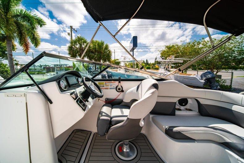 Thumbnail 19 for New 2019 Hurricane SunDeck SD 2486 OB boat for sale in Vero Beach, FL