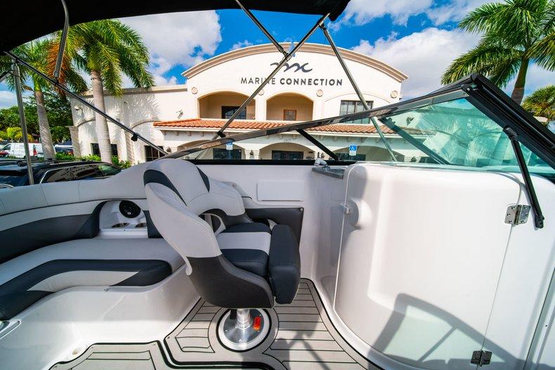 Thumbnail 20 for New 2019 Hurricane SunDeck SD 2486 OB boat for sale in Vero Beach, FL