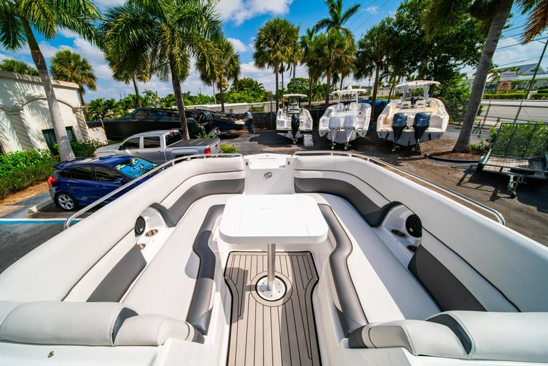Thumbnail 30 for New 2019 Hurricane SunDeck SD 2486 OB boat for sale in West Palm Beach, FL