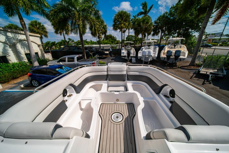Thumbnail 33 for New 2019 Hurricane SunDeck SD 2486 OB boat for sale in West Palm Beach, FL