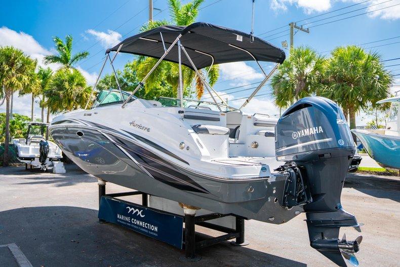 Thumbnail 5 for New 2019 Hurricane SunDeck SD 2486 OB boat for sale in Vero Beach, FL