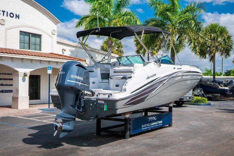 Thumbnail 7 for New 2019 Hurricane SunDeck SD 2486 OB boat for sale in Vero Beach, FL