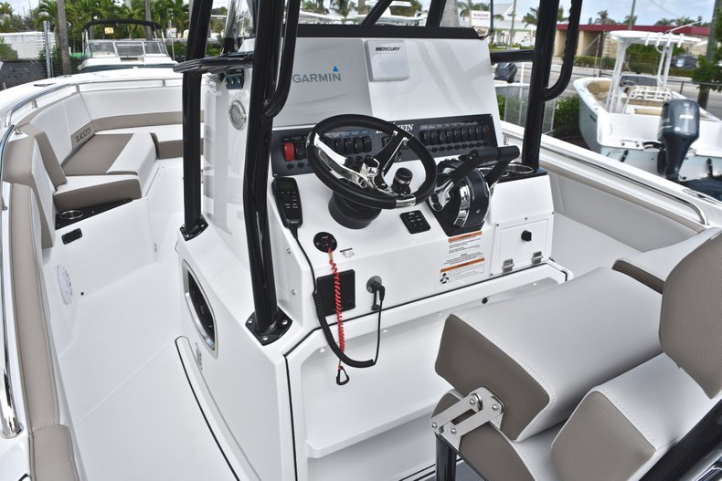 Thumbnail 31 for New 2019 Blackfin 242CC Center Console boat for sale in West Palm Beach, FL