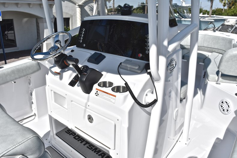 Thumbnail 26 for New 2019 Sportsman Open 232 Center Console boat for sale in Miami, FL