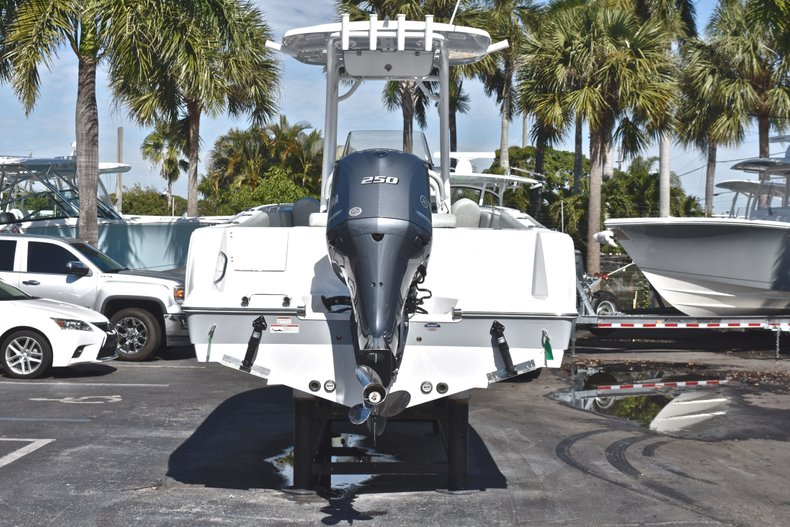 Thumbnail 6 for New 2019 Sportsman Open 232 Center Console boat for sale in Miami, FL