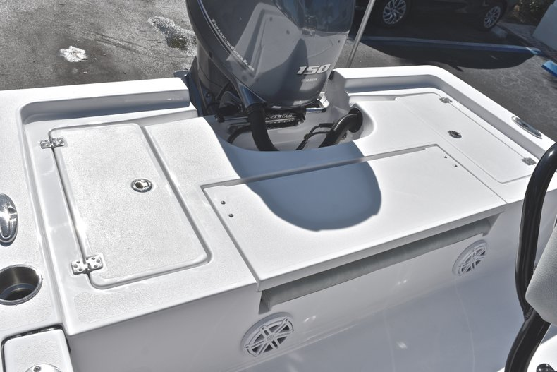 Thumbnail 9 for New 2019 Sportsman Masters 207 Bay Boat boat for sale in West Palm Beach, FL