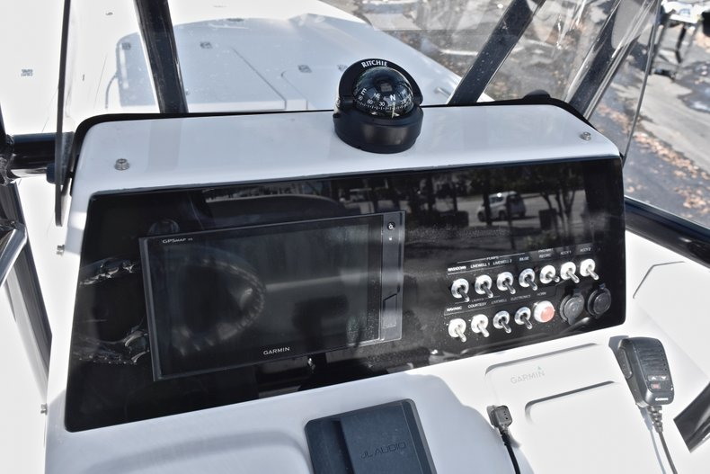 Thumbnail 26 for New 2019 Sportsman Masters 207 Bay Boat boat for sale in West Palm Beach, FL