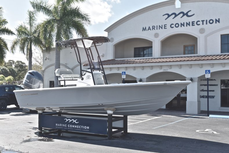 Thumbnail 1 for New 2019 Sportsman Masters 207 Bay Boat boat for sale in West Palm Beach, FL