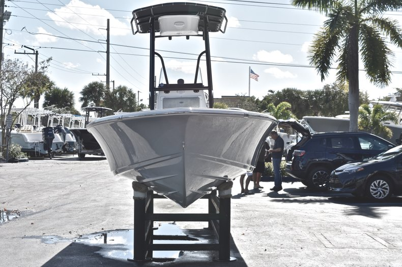 Thumbnail 2 for New 2019 Sportsman Masters 207 Bay Boat boat for sale in West Palm Beach, FL