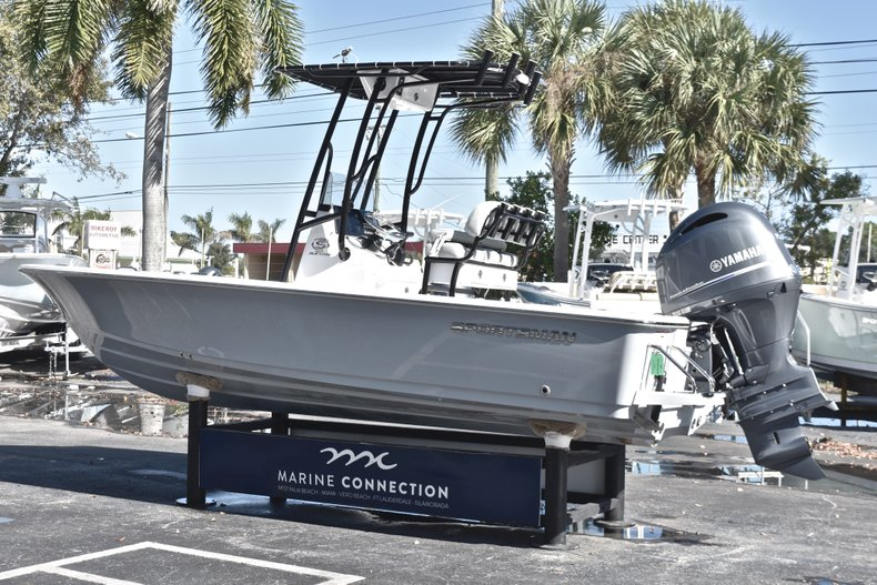 Thumbnail 5 for New 2019 Sportsman Masters 207 Bay Boat boat for sale in West Palm Beach, FL