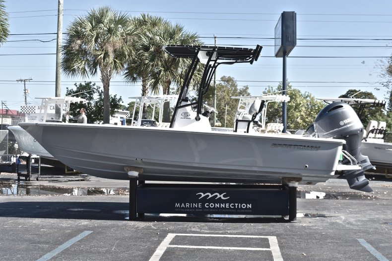 Thumbnail 4 for New 2019 Sportsman Masters 207 Bay Boat boat for sale in West Palm Beach, FL