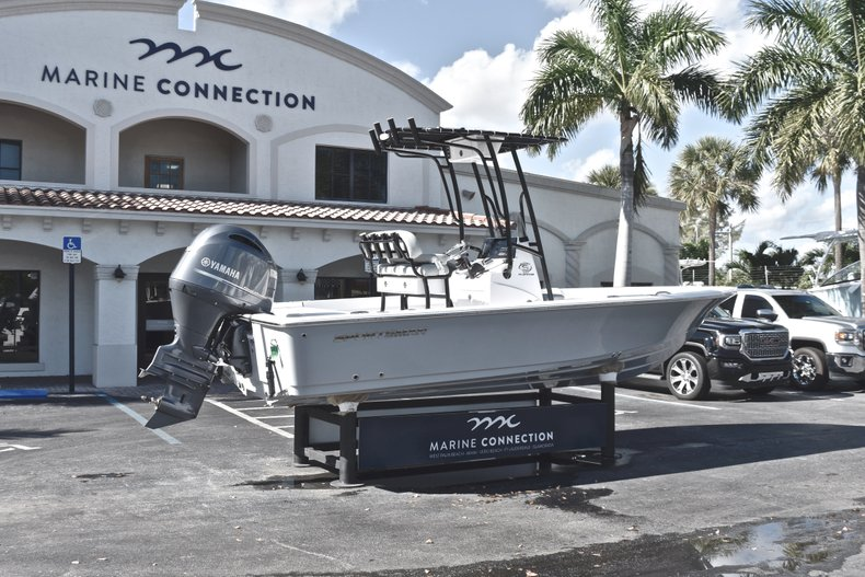 Thumbnail 7 for New 2019 Sportsman Masters 207 Bay Boat boat for sale in West Palm Beach, FL