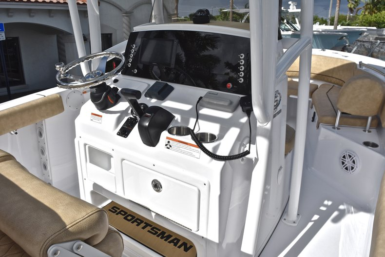 Image 25 for 2019 Sportsman Open 232 Center Console in West Palm Beach, FL
