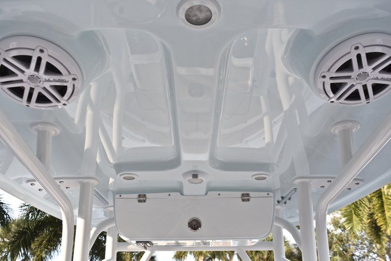 Thumbnail 24 for New 2019 Sportsman Heritage 211 Center Console boat for sale in West Palm Beach, FL