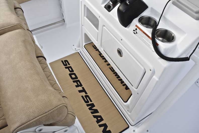 Image 37 for 2019 Sportsman Heritage 211 Center Console in West Palm Beach, FL