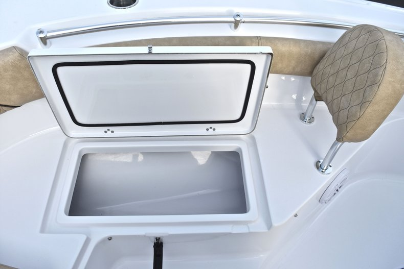 Thumbnail 47 for New 2019 Sportsman Heritage 211 Center Console boat for sale in West Palm Beach, FL