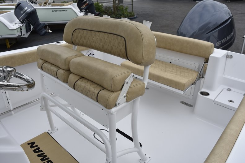 Thumbnail 21 for New 2019 Sportsman Open 232 Center Console boat for sale in West Palm Beach, FL