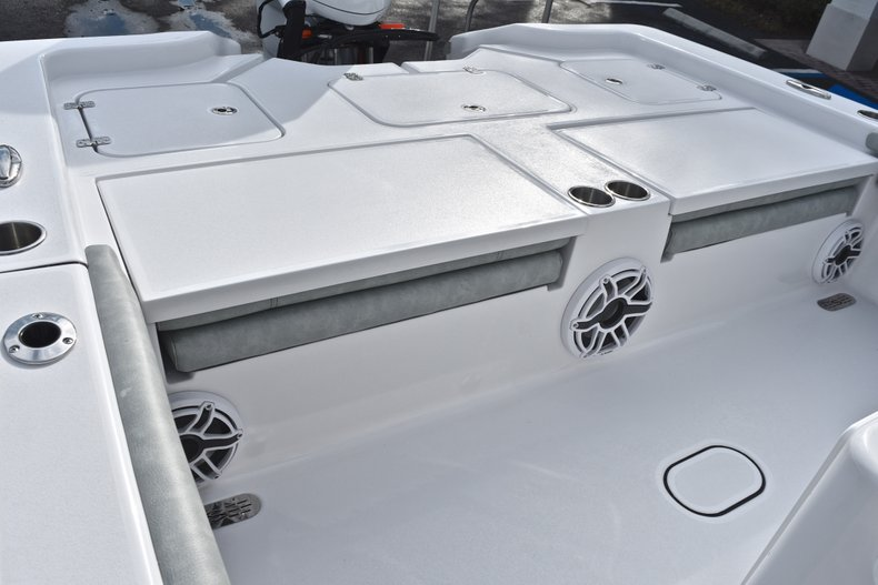 Thumbnail 11 for New 2019 Sportsman Masters 267 Bay Boat boat for sale in West Palm Beach, FL
