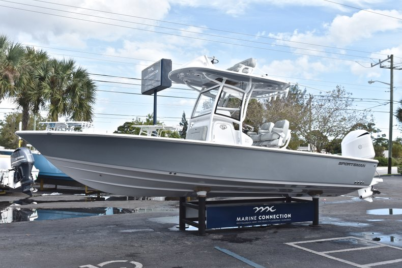 Thumbnail 4 for New 2019 Sportsman Masters 267 Bay Boat boat for sale in West Palm Beach, FL