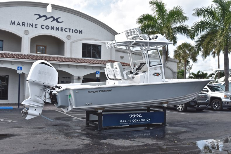 Thumbnail 8 for New 2019 Sportsman Masters 267 Bay Boat boat for sale in West Palm Beach, FL