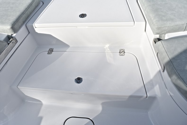 Thumbnail 66 for New 2019 Sportsman Masters 267 Bay Boat boat for sale in West Palm Beach, FL