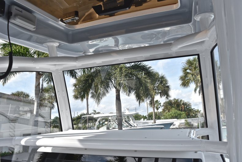 Thumbnail 36 for New 2019 Sportsman Masters 267 Bay Boat boat for sale in West Palm Beach, FL