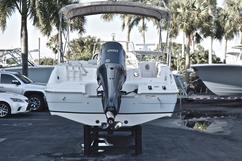 Thumbnail 6 for Used 2017 Hurricane SunDeck Sport SS 211 OB boat for sale in West Palm Beach, FL