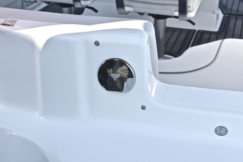 Thumbnail 10 for Used 2017 Hurricane SunDeck Sport SS 211 OB boat for sale in West Palm Beach, FL